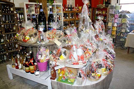 Piron Drinks: intérieur magasin paniers cadeaux